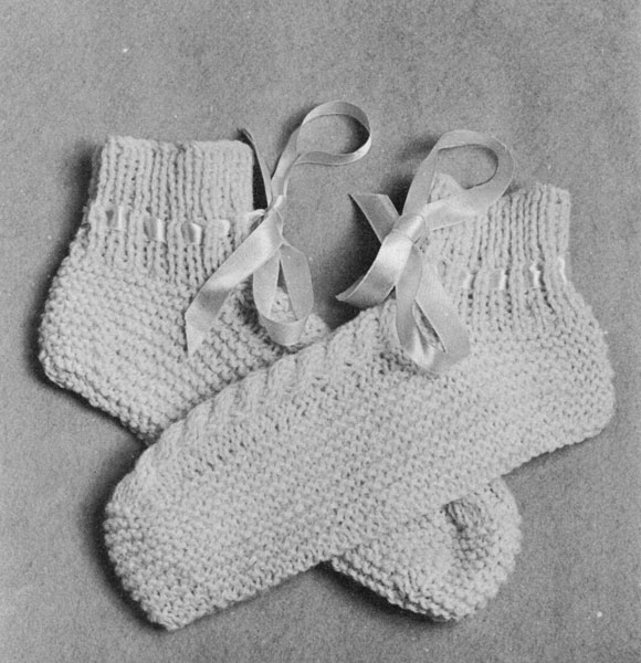 Bed Socks Knitting Pattern 2 Needles : Vintage Bed Jacket and Bedwear Knitting Patterns from The Vintage Knitting Lady