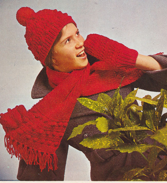 Knitting Wallpaper Uk : Vintage mens aran knitting patterns available from the