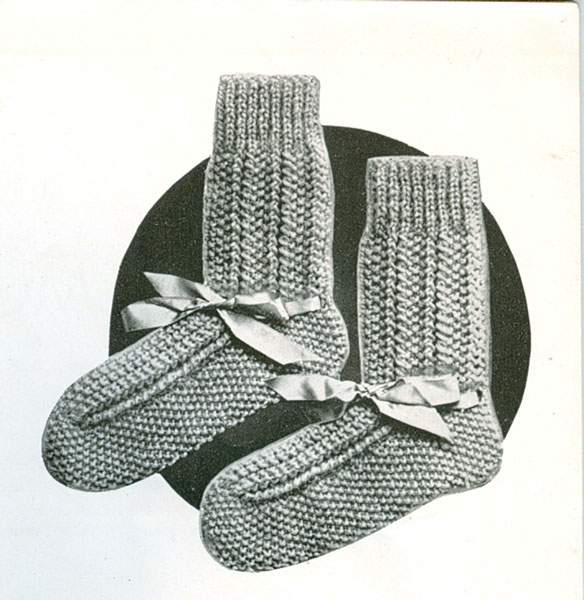 Knitting Patterns Bed Socks Easy : Vintage Bed Jacket and Bedwear Knitting Patterns from The ...