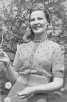 vintage ladies knitting pattern for jumper cardigan from 1940s