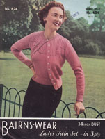 vintage ladies cardigan jumper knitting pattern 1950s